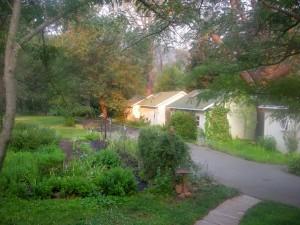 Backyard Garden Oasis a B&B