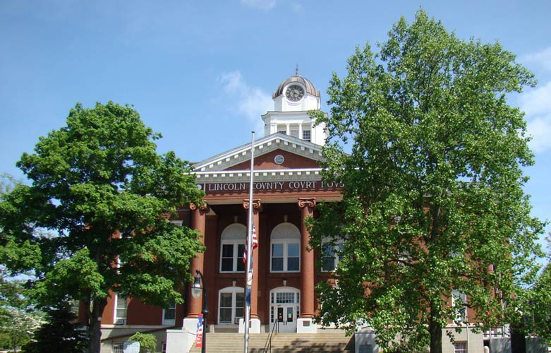 Lincoln_County_Courthouse_(Stanford,_Kentucky)