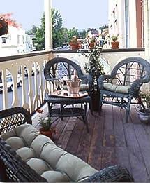 balcony-wine